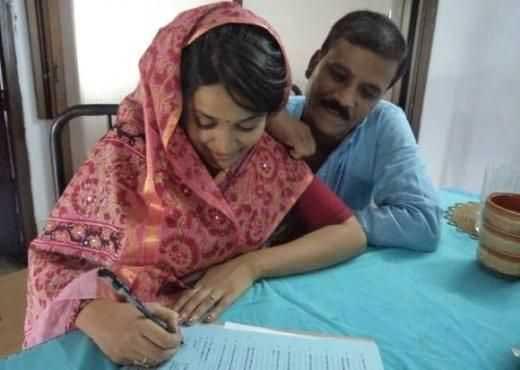 Shila Ahmed first husband